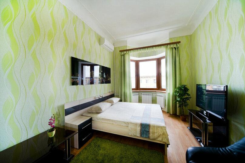 2-комн. квартира, 60 кв.м. на 5 человек, проспект Ленина, 19, Тула - Фотография 1