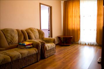 2-комн. квартира, 52 кв.м. на 4 человека, проспект Дружбы, 10, Центральный район, Новокузнецк - Фотография 1