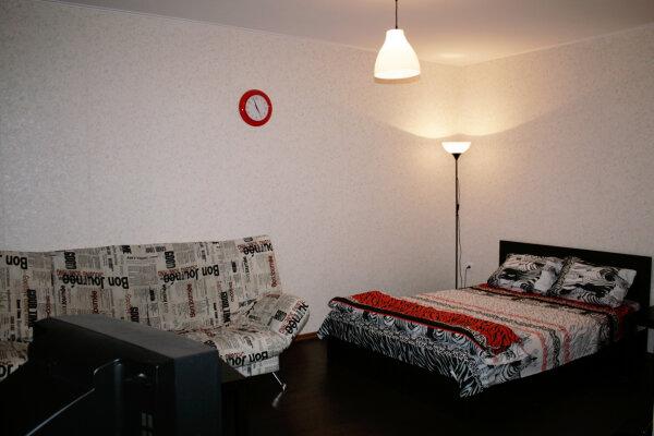 1-комн. квартира, 33 кв.м. на 4 человека, улица Мусы Джалиля, 33, Кировский район, Томск - Фотография 1