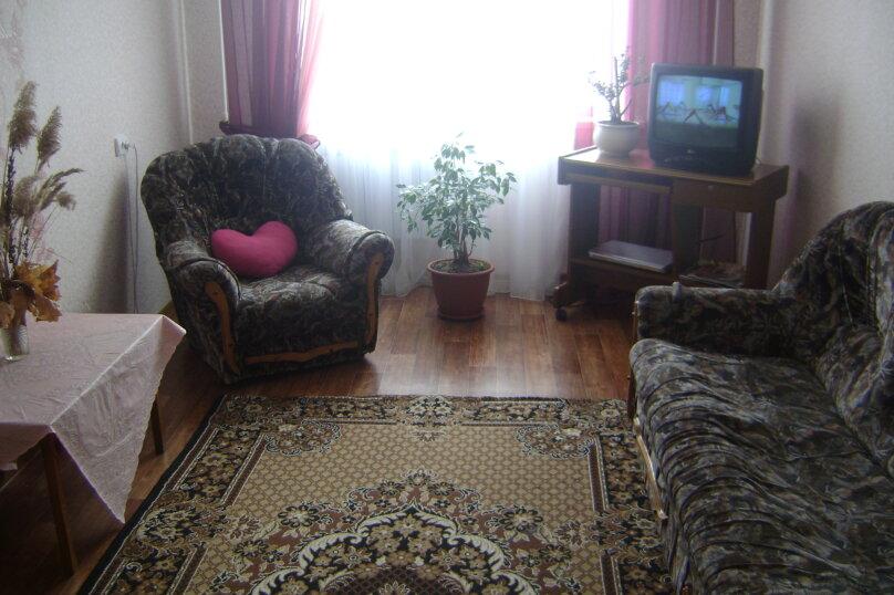 1-комн. квартира, 34 кв.м. на 4 человека, улица Есенина, 14, Белгород - Фотография 1
