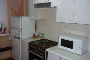 2-комн. квартира на 5 человек, проспект Фрунзе, 130, Советский район, Томск - Фотография 3