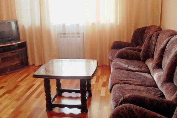1-комн. квартира, 40 кв.м. на 5 человек, улица Ульянова, 97, Ленинский район, Саранск - Фотография 1