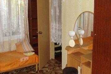 1-комн. квартира, 100 кв.м. на 4 человека, бульвар Вити Коробкова, Феодосия - Фотография 1
