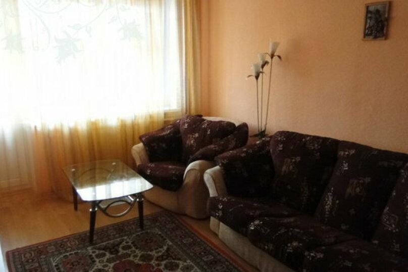 2-комн. квартира на 4 человека, улица 26 Съезда КПСС, 14, Новый Уренгой - Фотография 5