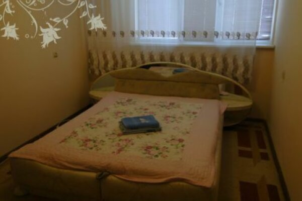 3-комн. квартира на 6 человек, Ленинградский проспект, 17, Новый Уренгой - Фотография 1