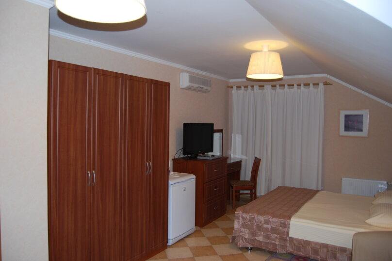 """2-х комнатный """"люкс"""" с просторной открытой верандой на 4(6) мест, Новороссийская, 37, Архипо-Осиповка - Фотография 1"""