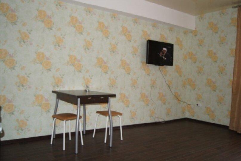 """Хостел """"На Байкальской 253Б"""", Байкальская улица, 253Б на 33 номера - Фотография 12"""