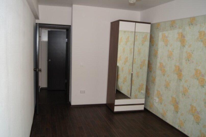 Двухкомнатные апартаменты, Байкальская улица, 253Б, Иркутск - Фотография 1