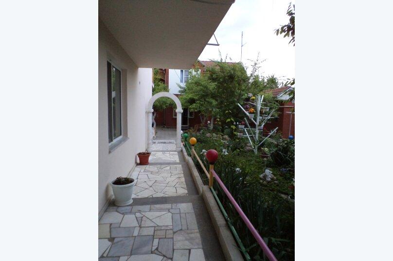 Гостевой дом Хара, Черноморская улица, 95А на 26 комнат - Фотография 2
