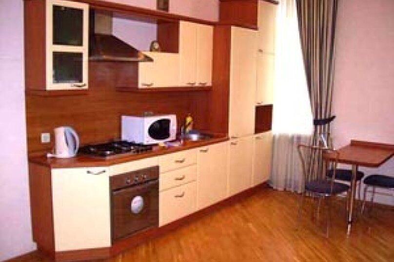 3-комн. квартира, 90 кв.м. на 4 человека, улица Мира, 20, Волгоград - Фотография 5