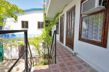 Гостевой дом по ул. Таманской , Таманская улица на 4 номера - Фотография 1