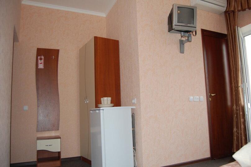Частная гостиница СемьЯ, Октябрьская улица, 7 на 15 комнат - Фотография 3