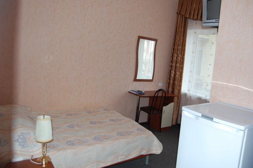 Частная гостиница СемьЯ, Октябрьская улица, 7 на 15 комнат - Фотография 4