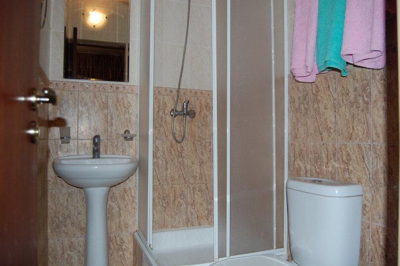 Частная гостиница СемьЯ, Октябрьская улица, 7 на 15 комнат - Фотография 5