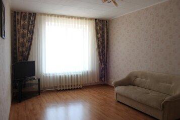 2-комн. квартира, 70 кв.м. на 3 человека, Салмышская улица, 67/2, Оренбург - Фотография 2