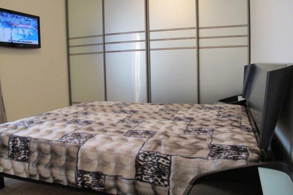 2-комн. квартира, 60 кв.м. на 6 человек, бульвар Леси Украинки, 11, Киев - Фотография 1