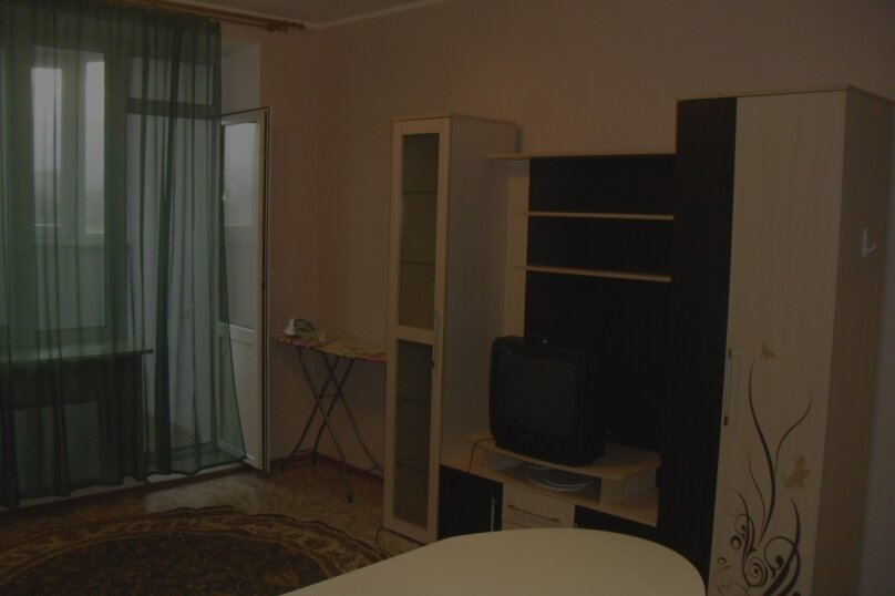 1-комн. квартира на 2 человека, улица 50 лет ВЛКСМ, 13, Тюмень - Фотография 4