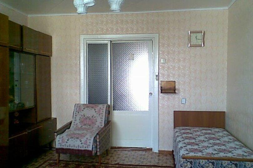 2-комн. квартира, 50 кв.м. на 6 человек, улица Прохорова, 33, Саки - Фотография 2