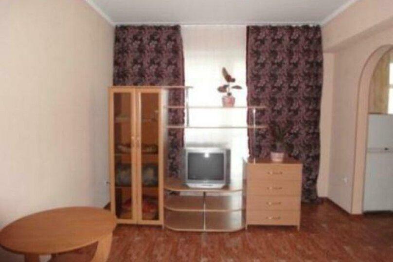 1-комн. квартира, 40 кв.м. на 2 человека, улица Авиаторов, 23, Красноярск - Фотография 3