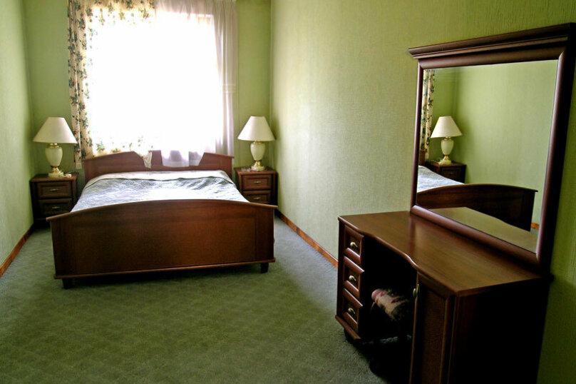 Сдам коттедж на берегу озера, 350 кв.м. на 16 человек, 3 спальни, улица Мамина, 2Б, Челябинск - Фотография 5