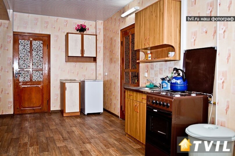 Гостевой дом на Новороссийской, Новороссийская улица, 37 на 10 комнат - Фотография 13