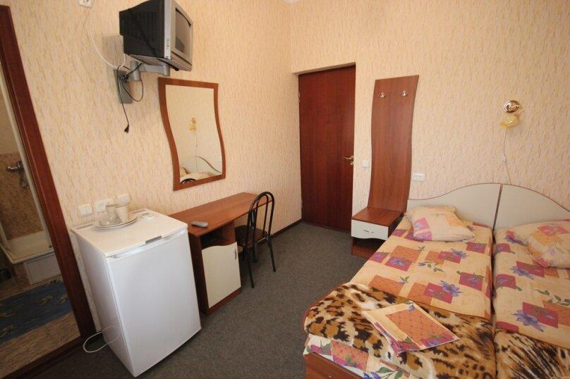 Двухместный номер с удобствами без балкона, Октябрьская улица, 7, Лазаревское - Фотография 2