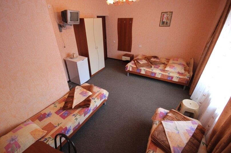 Частная гостиница СемьЯ, Октябрьская улица, 7 на 15 комнат - Фотография 38