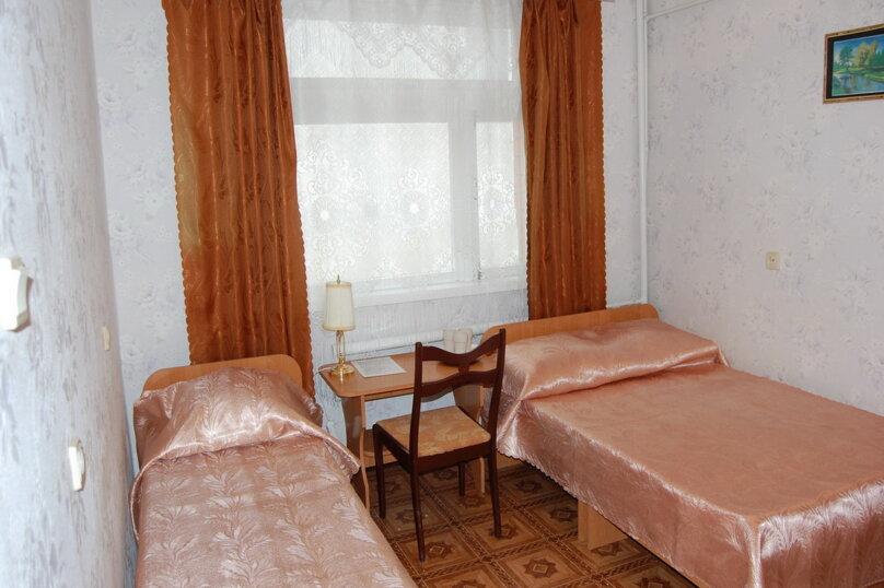 Частная гостиница СемьЯ, Октябрьская улица, 7 на 15 комнат - Фотография 25
