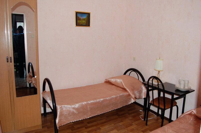 Частная гостиница СемьЯ, Октябрьская улица, 7 на 15 комнат - Фотография 27