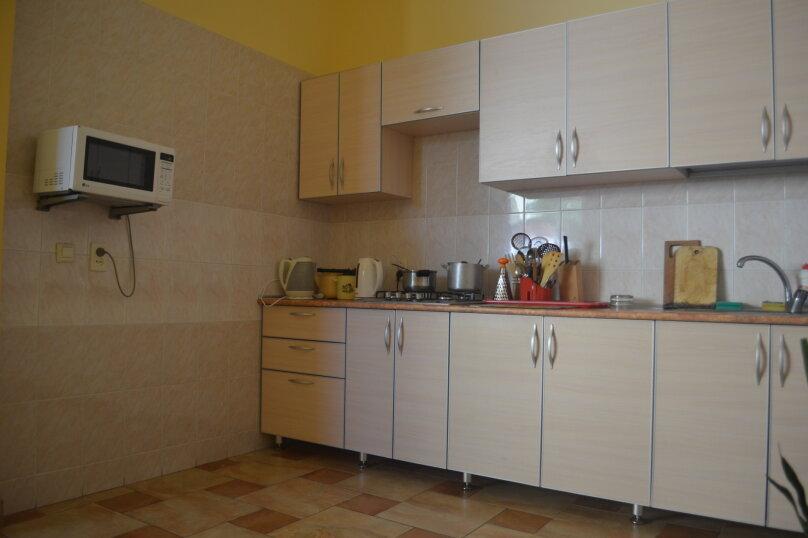 Частная гостиница СемьЯ, Октябрьская улица, 7 на 15 комнат - Фотография 10
