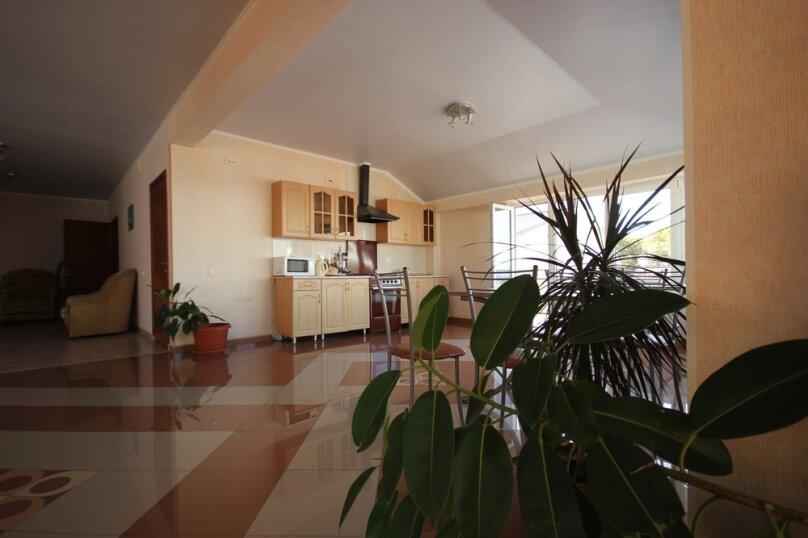 Частная гостиница СемьЯ, Октябрьская улица, 7 на 15 комнат - Фотография 11