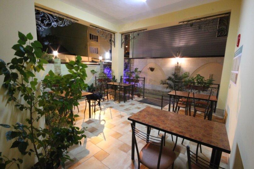 Частная гостиница СемьЯ, Октябрьская улица, 7 на 15 комнат - Фотография 14