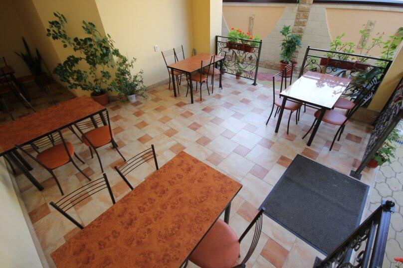 Частная гостиница СемьЯ, Октябрьская улица, 7 на 15 комнат - Фотография 15