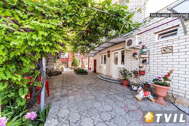 """Гостевой дом """"Анастасия"""", улица Самбурова, 240 на 14 комнат - Фотография 2"""