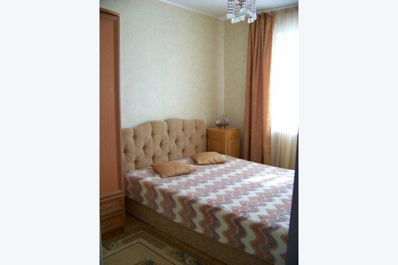 2-й этаж частного дома, 100 кв.м. на 11 человек, 3 спальни, Мищенко, 39, Севастополь - Фотография 1