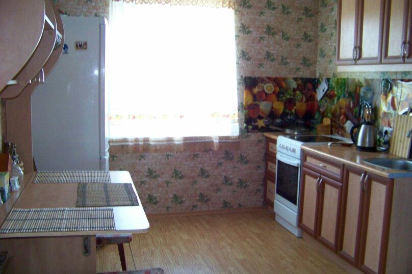 2-й этаж частного дома, 100 кв.м. на 11 человек, 3 спальни, Мищенко, 39, Севастополь - Фотография 6