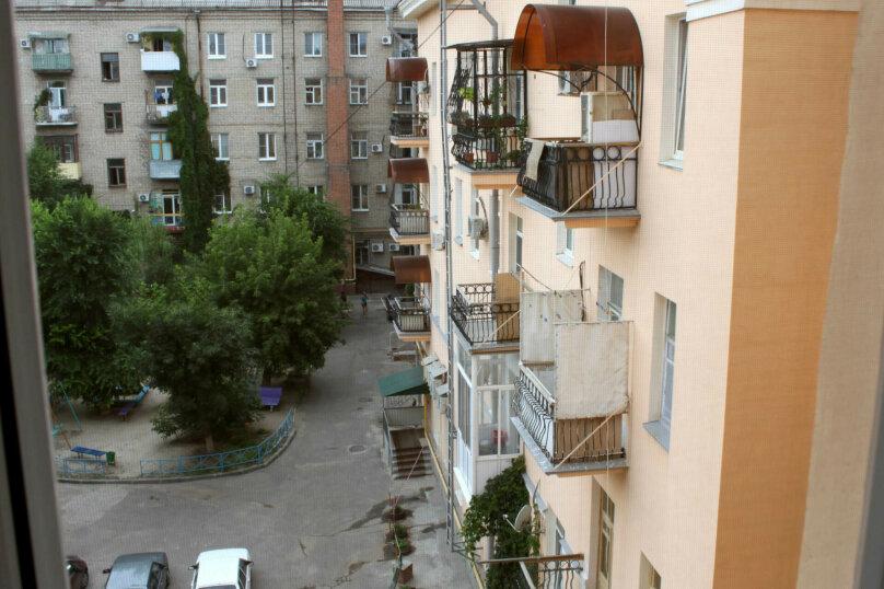 3-комн. квартира, 85 кв.м. на 5 человек, Коммунистическая улица, 16, метро Комсомольская, Волгоград - Фотография 15