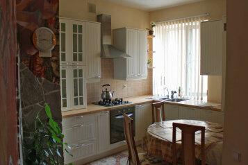 3-комн. квартира, 85 кв.м. на 5 человек, Коммунистическая улица, 16, Комсомольская, Волгоград - Фотография 2