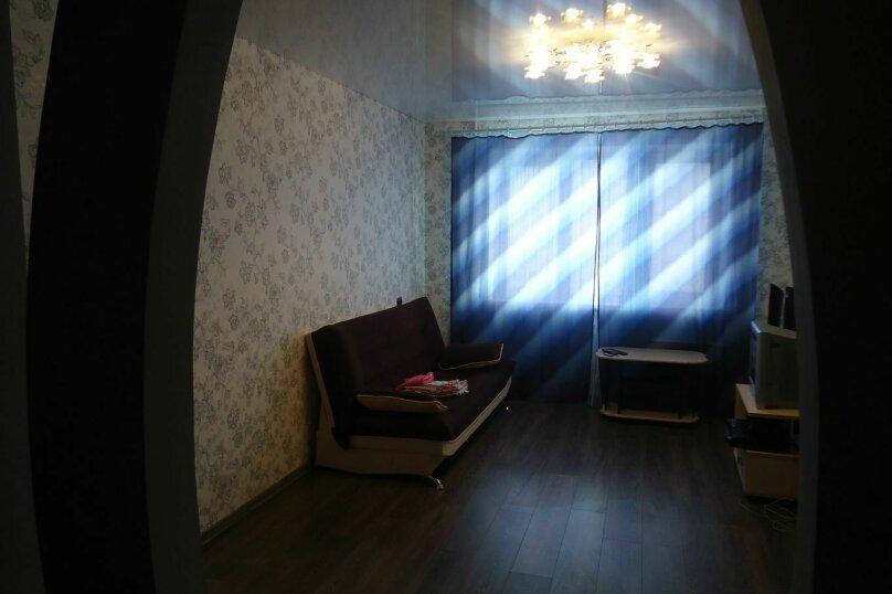 2-комн. квартира, 60 кв.м. на 4 человека, улица Попова, 126, Смоленск - Фотография 2