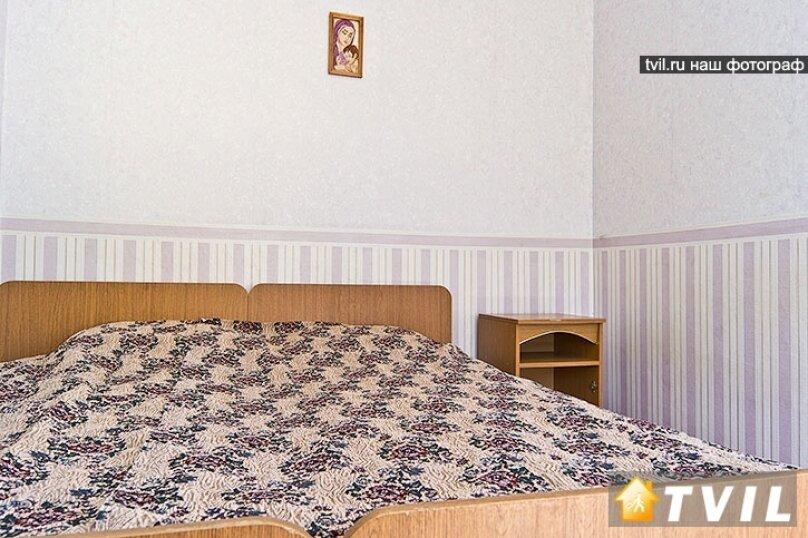 """Гостевой дом """"Летний"""", Строителей, 2 на 15 комнат - Фотография 19"""