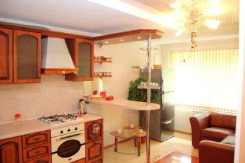 2-комн. квартира, 72 кв.м. на 4 человека, Пионерская улица, 25, Северный район, Череповец - Фотография 1