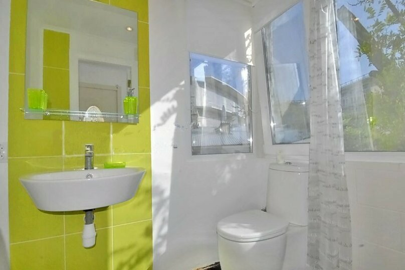 2-комн. квартира, 40 кв.м. на 5 человек, улица Игнатенко, 7, Ялта - Фотография 12