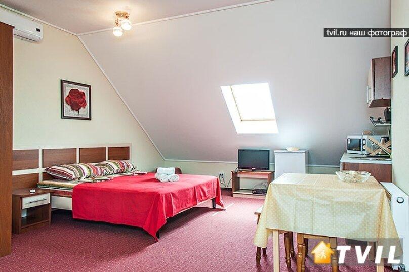 4-х местный мансардный с кухней и с диваном № 16 , Пионерская улица, 33, Кабардинка - Фотография 1