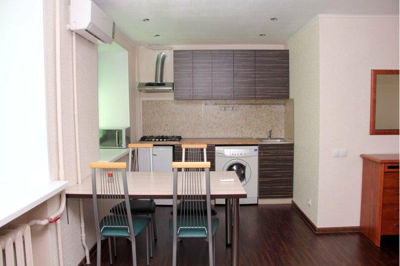 2-комн. квартира, 52 кв.м. на 4 человека, улица Сталеваров, 68, Череповец - Фотография 2