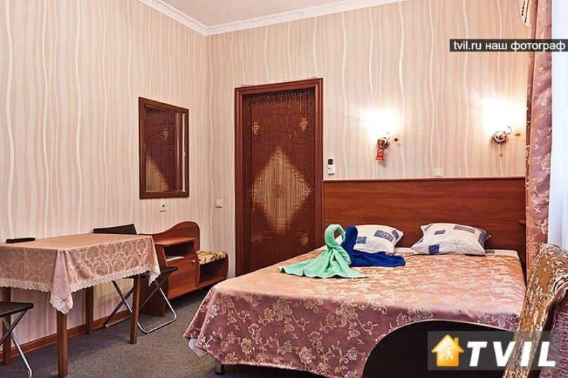 Гостевой дом Камелот, улица Шевченко, 12 на 6 комнат - Фотография 39