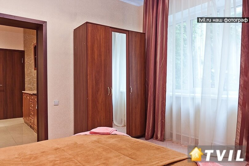 Гостевой дом Камелот, улица Шевченко, 12 на 6 комнат - Фотография 57