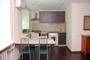 2-комн. квартира, 52 кв.м. на 4 человека, улица Сталеваров, 68, Индустриальный район, Череповец - Фотография 2
