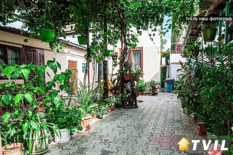 Гостевой дом Тенистый дворик, улица Самбурова, 84/2 на 5 комнат - Фотография 1