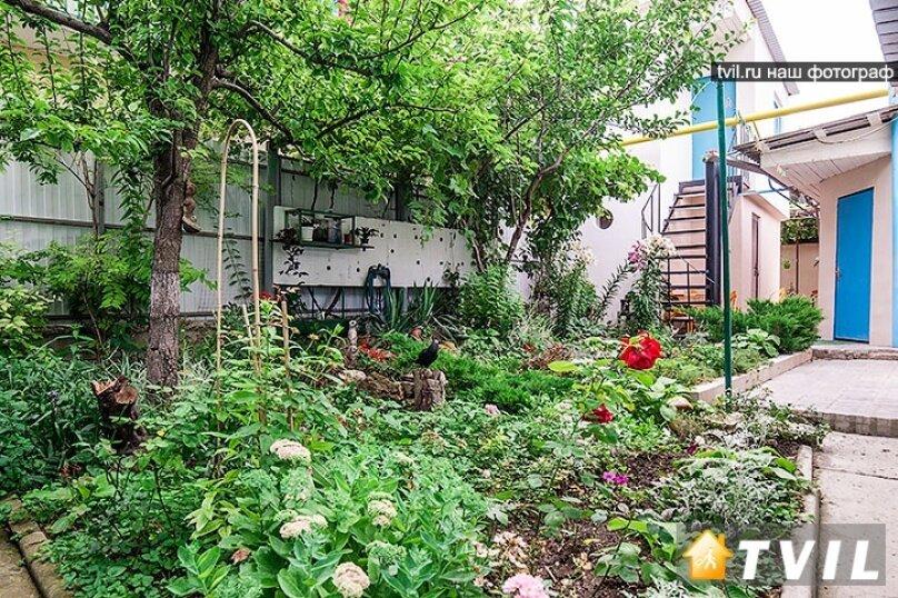 Гостевой дом Тенистый дворик, улица Самбурова, 84/2 на 5 комнат - Фотография 11