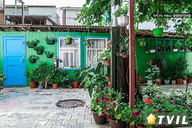 Гостевой дом Тенистый дворик, улица Самбурова, 84/2 на 5 комнат - Фотография 15